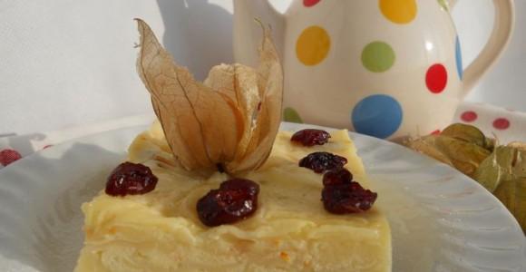 Plăcintă cu iaurt şi merişoare confiate