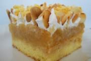 Prăjitură cu mere şi fulgi de migdale