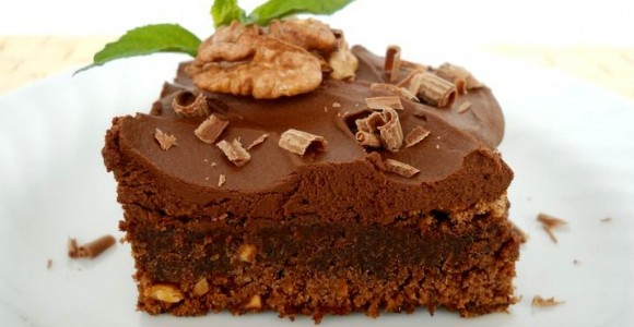 Brownie Chocolate Cake