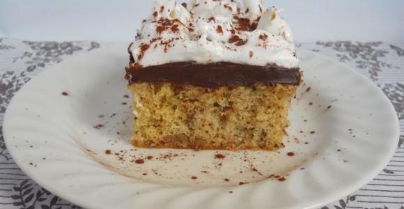 Prăjitură cu nucă, ciocolată şi spumă de albuş
