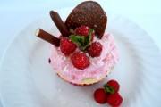 cupcakes cu spuma de zmeura 1
